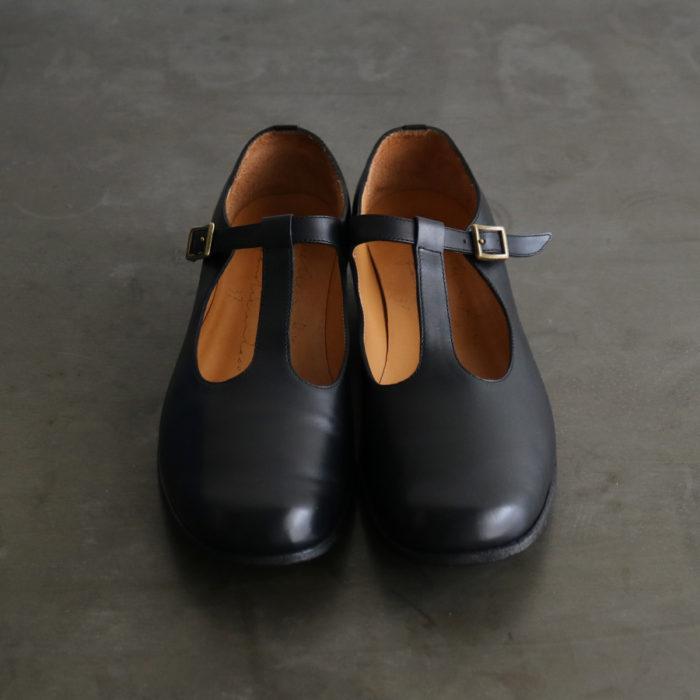 Bess Black Size 35-40 40,000 yen
