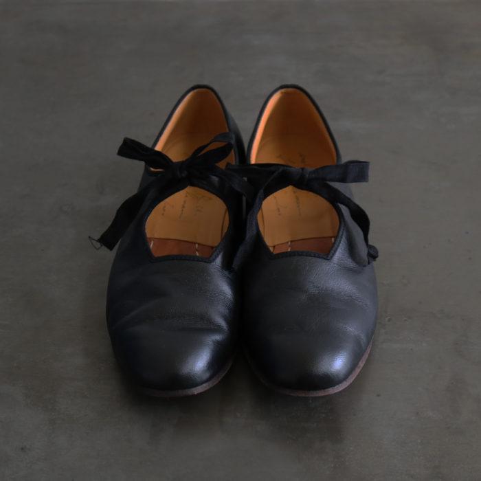 Kiira Black Size 35-40 44,000 yen