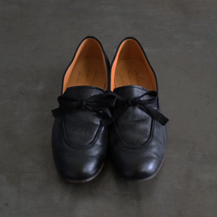 Taru Black Size 35-40 45,100 yen